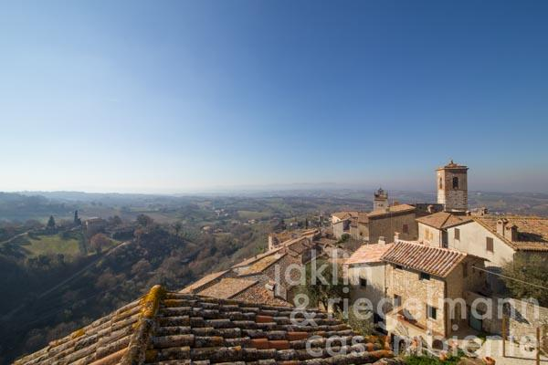 Historic stone house for sale with garden and panoramic views, once part of a 13th century monastery in Umbria