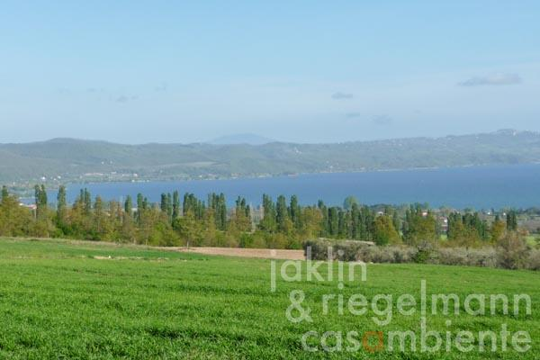 Development for two buildings on Lago di Bolsena overlooking the lake