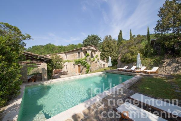 Beautiful stone farmhouse with pool in a panoramic position close to Montone in Umbria