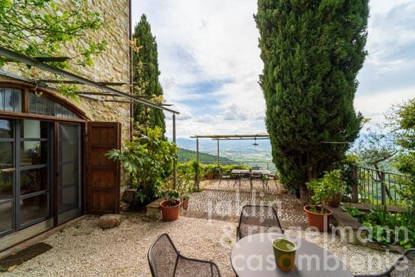 Beautiful renovated stone house with olive grove and spectacular views in Umbria