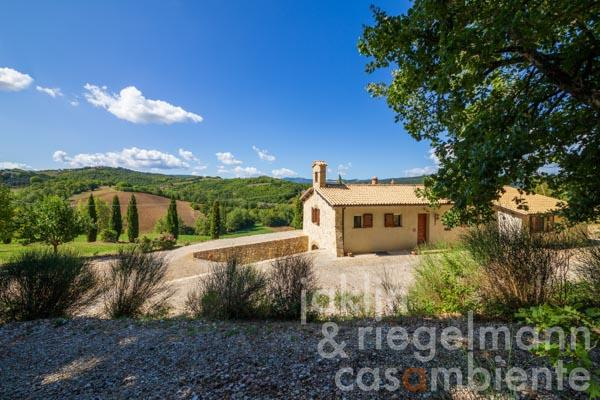Unique property situated in the hills around Todi with wonderful panoramic views of the Italian countryside