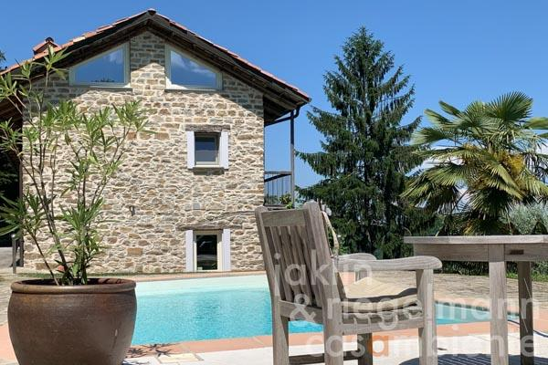 Traditional Piedmontese stone farmhouse L-shaped south facing with pool and annexes