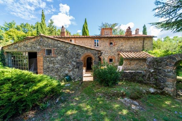 Landhaus mit Maler-Atelier in idyllischer Lage bei Massa Marittima