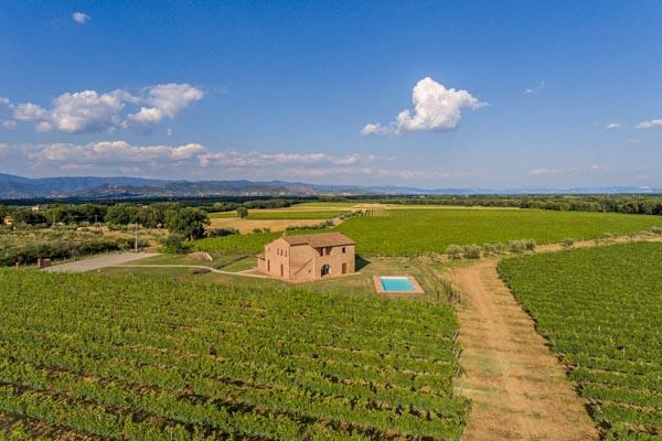 Restauriertes Landhaus mit Garten und Pool nahe Cortona in der Toskana