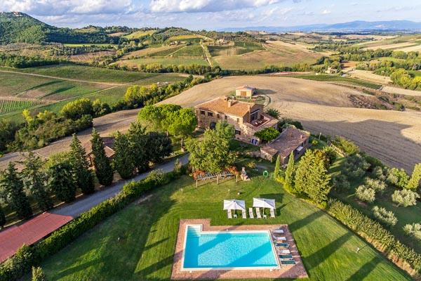 Wunderschönes toskanisches Landgut zu verkaufen mit Panoramapool in der Landschaft des Val d'Orcia