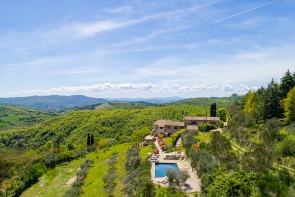 Liebevoll restauriertes Bauernhaus mit Pool in der umbrischen Landschaft nur 15 km von Perugia