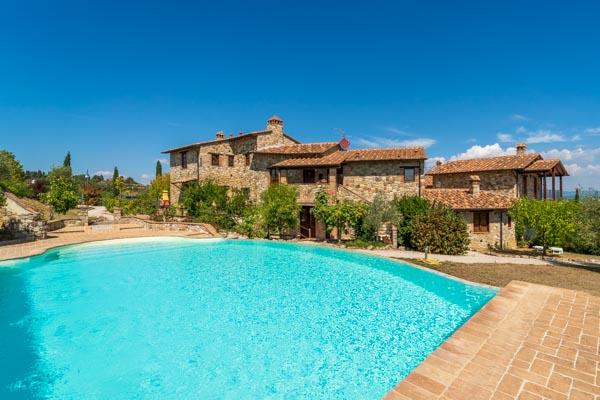 Appartamento in borgo suggestivo con giardino privato e piscina condivisa nel centro dell'Umbria