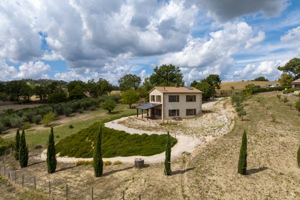 Natursteinhaus mit herrlichem Blick in der Nähe von Todi