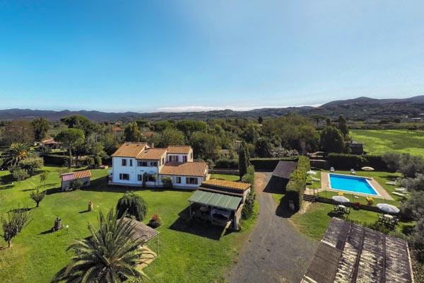 Landhaus in der Toskana bei Bolgheri mit DOC-Weinberg