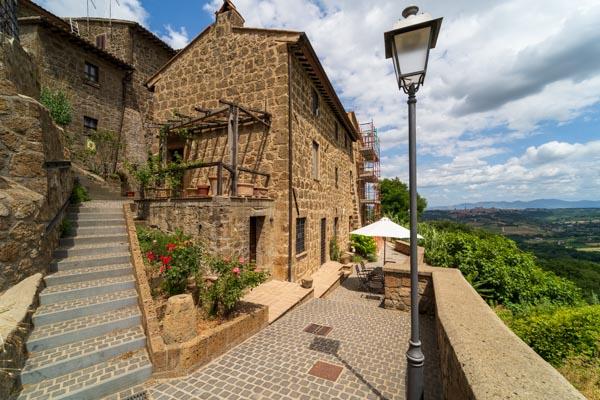 Schönes neu restauriertes Stadthaus in einer historischen Ortschaft 5 km vom Zentrum von Orvieto