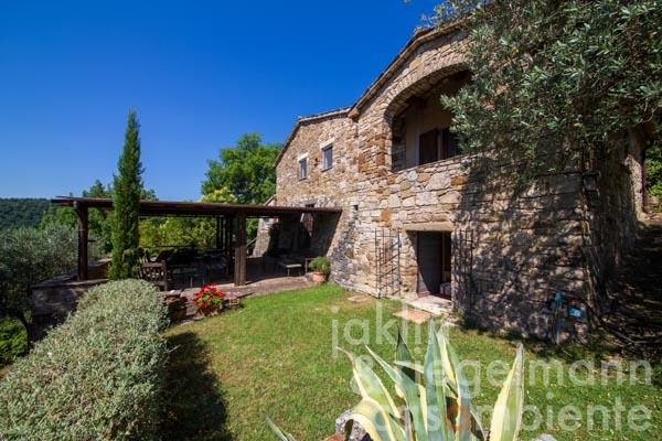 Beautiful property with spectacular views over the Umbrian countryside near Todi