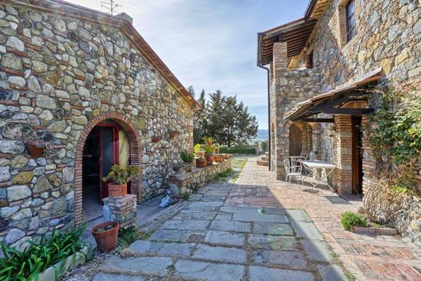 Toskanisches Landhaus mit Nebengebäude und Pool 14 km vom Meer